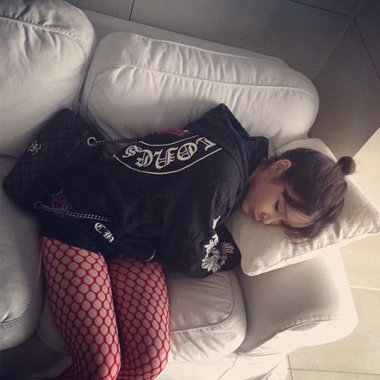 """@haroobommi: Bommi is sleeping. Kkk"""